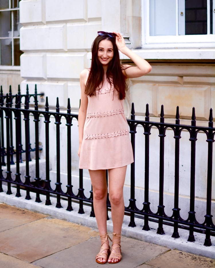 Wearing ALDO sunglasses, Missguided dress and Zara shoes.