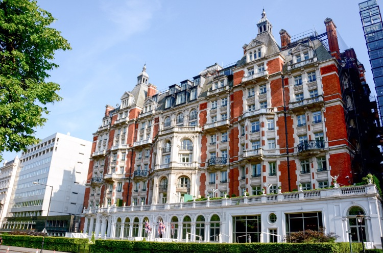 The Mandarin Oriental facing Hyde Park.